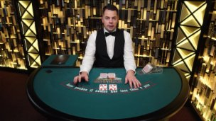 Ultimate Texas Hold'em £1